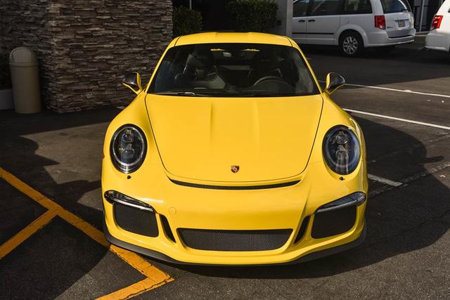 Hàng hiếm Porsche 911 R có giá khóc thét 23 tỷ Đồng - Ảnh 1.