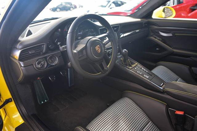 Hàng hiếm Porsche 911 R có giá khóc thét 23 tỷ Đồng - Ảnh 5.