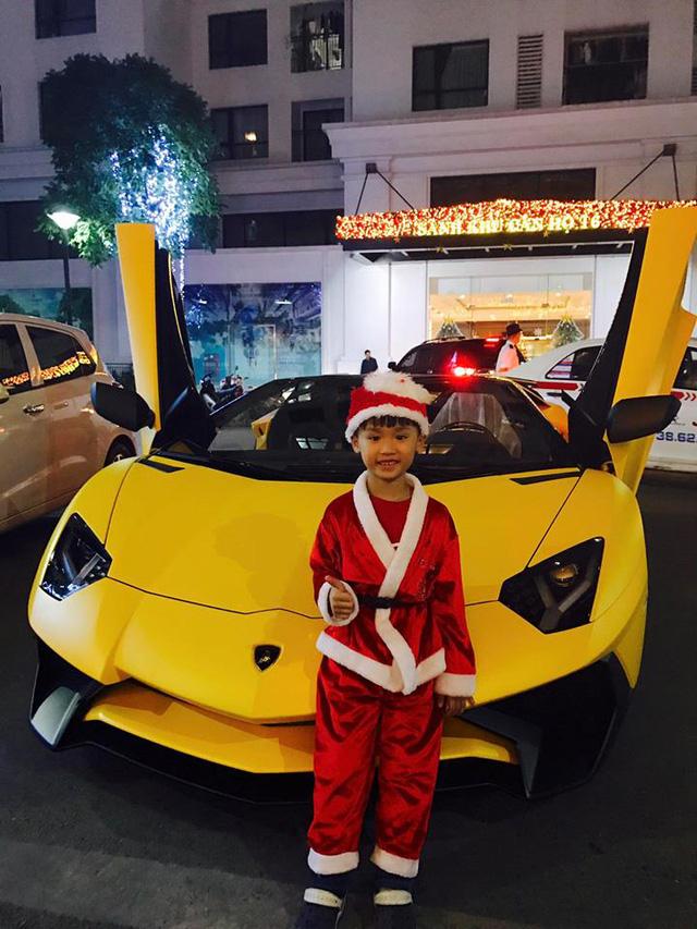 Xem siêu xe Lamborghini Aventador SV mui trần lăn bánh tại Hà Nội - Ảnh 5.