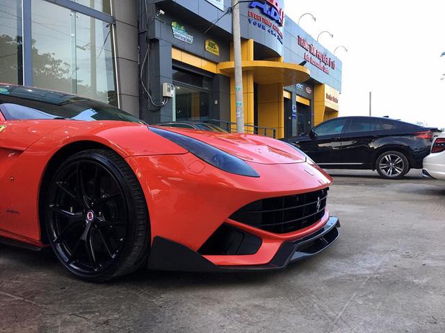 """Cường """"Đô-la"""" độ lại siêu xe Ferrari F12 Berlinetta """"hàng độc"""" - Ảnh 4."""