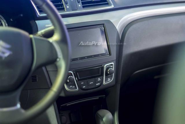 Thông số kỹ thuật, hình ảnh và giá xe Suzuki Ciaz 2017