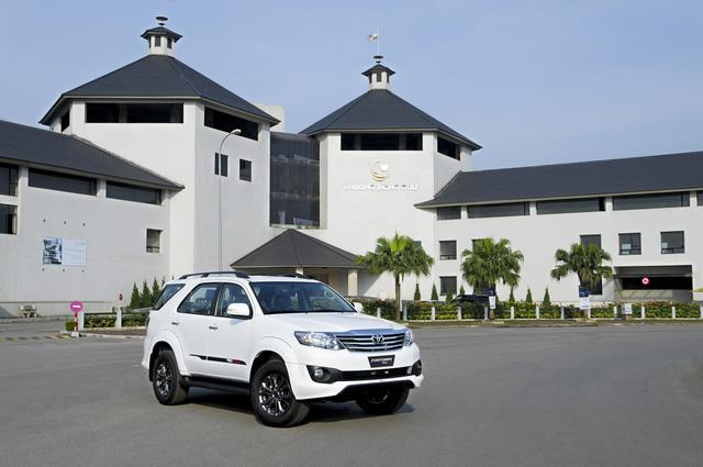 Top 10 xe bán chạy nhất thị trường ô tô Việt tháng 11 - Ảnh 2.