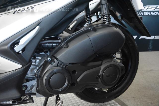Yamaha NVX 155 được trang bị khối động cơ Blue Core 155 phân khối, làm mát bằng chất lỏng, SOHC, phun nhiên liệu điện tử, sản sinh công suất tối đa 14,7 mã lực tại vòng tua máy 8.000 vòng/phút và mô-men xoắn cực đại 13,8 Nm tại 6.250 vòng/phút.
