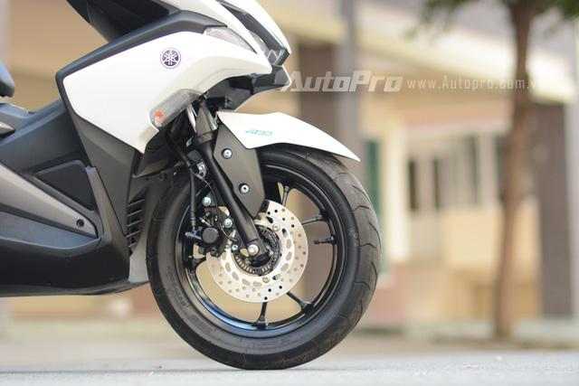 Nhập môn vào thị trường xe tay ga cao cấp, Yamaha NVX 155 trang bị hàng loạt công nghệ tiên tiến - Ảnh 13.