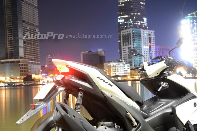 Nhập môn vào thị trường xe tay ga cao cấp, Yamaha NVX 155 trang bị hàng loạt công nghệ tiên tiến - Ảnh 16.