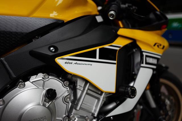 Yamaha YZF-R1 2016 2017 giá bao nhiêu? Đánh giá xe R1 mới nhất