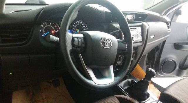 Toyota Fortuner 2017 ra mắt Việt Nam trong tuần này có thêm bản máy dầu, số sàn - Ảnh 5.