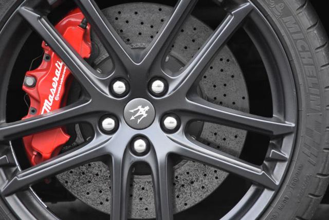 Maserati GranTurismo MC Stradale của Lionel Messi bị hét giá trên thị trường xe cũ - Ảnh 8.