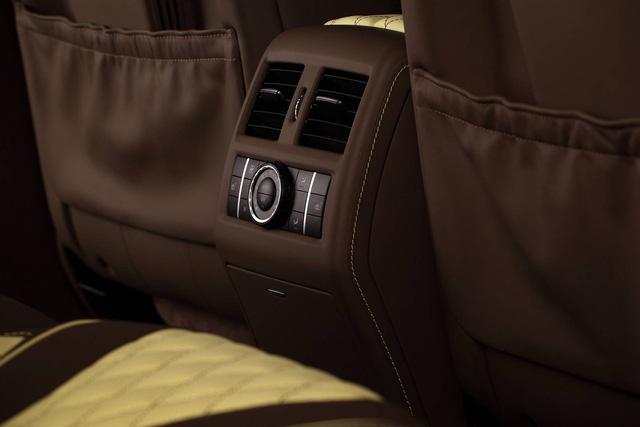 Mercedes-Benz GLE 2016 với nội thất bọc da cá sấu và mạ vàng của người Nga - Ảnh 11.