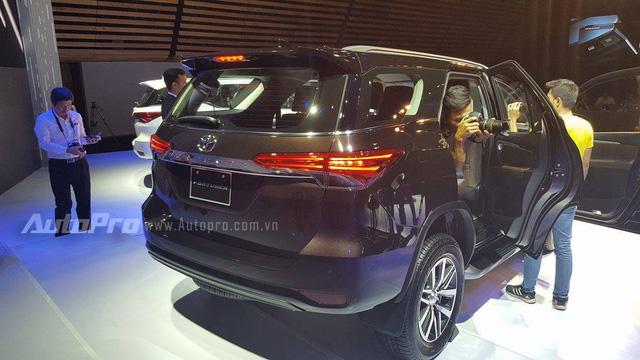 Toyota Fortuner 2017 ra mắt Việt Nam, giá từ 981 triệu Đồng - Ảnh 3.
