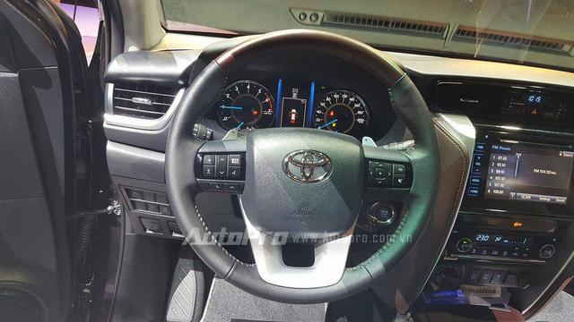 Toyota Fortuner 2017 ra mắt Việt Nam, giá từ 981 triệu Đồng - Ảnh 8.