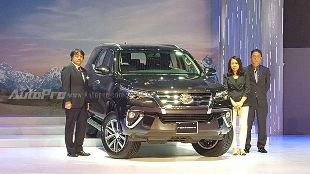 Toyota Fortuner 2017 ra mắt Việt Nam, giá từ 981 triệu Đồng - Ảnh 13.