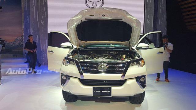 Toyota Fortuner 2017 ra mắt Việt Nam, giá từ 981 triệu Đồng - Ảnh 15.