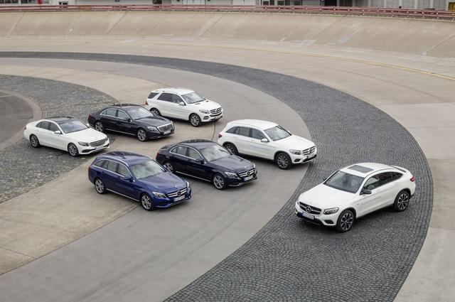 Mercedes-Benz chính thức trở thành ông hoàng của phân khúc xe sang - Ảnh 1.