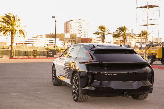 Chiêm ngưỡng mẫu xe tăng tốc nhanh nhất thế giới ngoài đời thực - Ảnh 8.