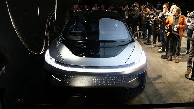 Chiêm ngưỡng mẫu xe tăng tốc nhanh nhất thế giới ngoài đời thực - Ảnh 14.
