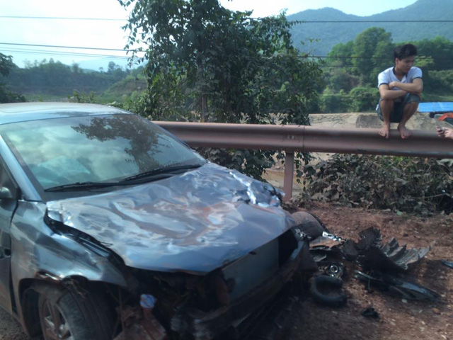 Bắc Giang: Hyundai Elantra đập hộp gặp nạn trên đường từ đại lý về nhà - Ảnh 1.