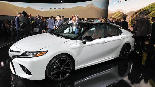 Toyota Camry 2018: Lột xác về thiết kế từ trong ra ngoài, thêm động cơ mới - Ảnh 4.
