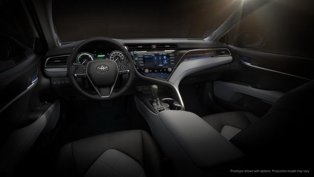 Toyota Camry 2018: Lột xác về thiết kế từ trong ra ngoài, thêm động cơ mới - Ảnh 11.