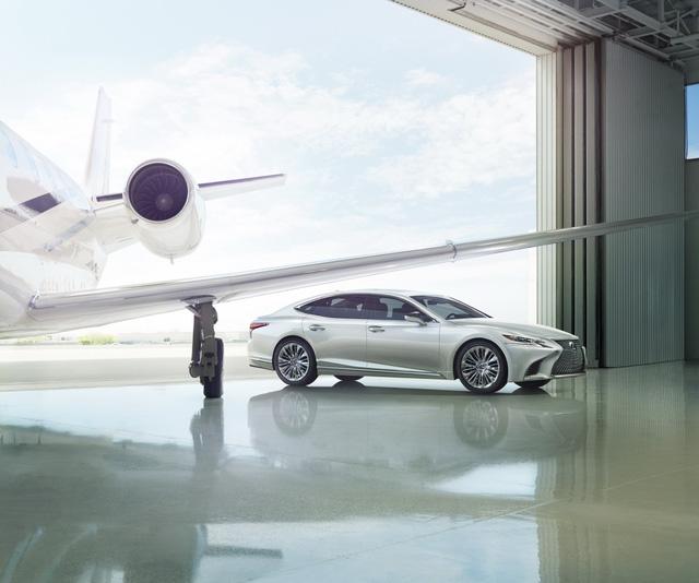 Lexus LS 2018 trình làng, Mercedes-Benz S-Class hãy coi chừng! - Ảnh 3.