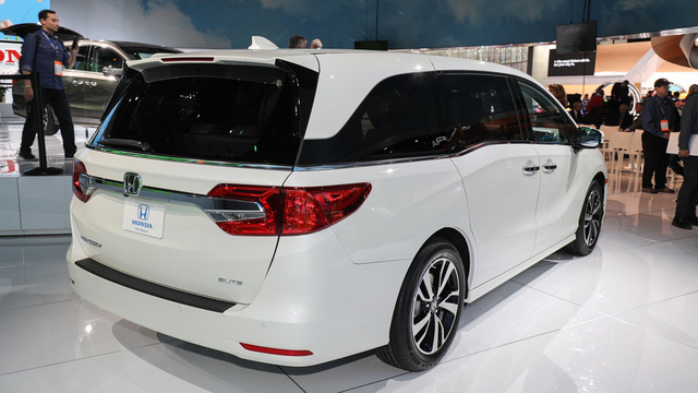 Honda Odyssey 2018 với thiết kế khác xe ở Việt Nam chính thức được vén màn - Ảnh 4.
