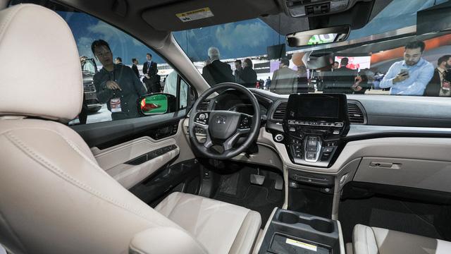 Honda Odyssey 2018 với thiết kế khác xe ở Việt Nam chính thức được vén màn - Ảnh 8.