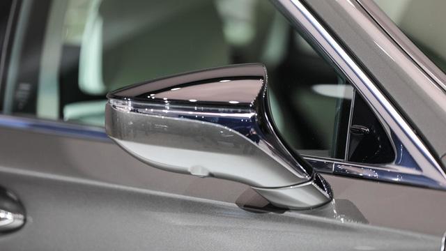 Cận cảnh vẻ đẹp xuất sắc của Lexus LS 2018 ngoài đời thực - Ảnh 18.
