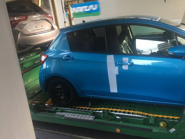 Toyota Yaris 2017 bất ngờ bị bắt gặp khi đang được vận chuyển đến đại lý - Ảnh 3.