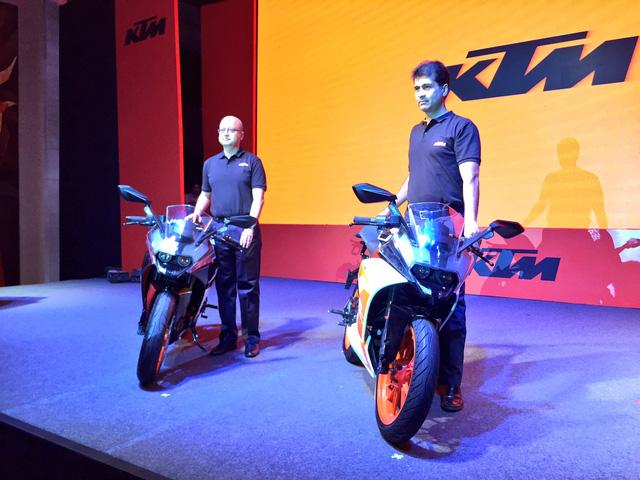 Cặp đôi mô tô giá mềm KTM RC390 và RC200 2017 cập bến Ấn Độ - Ảnh 1.
