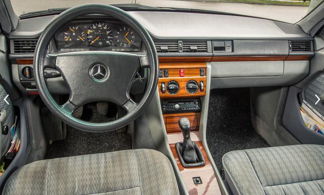 Làm quen với chiếc Mercedes-Benz E-Class chạy nhiều như taxi - Ảnh 4.