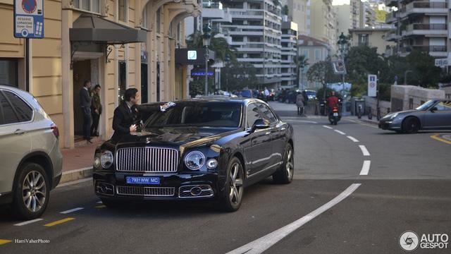 Bắt gặp Bentley Mulsanne Speed First Edition 2016 sang chảnh trên đường phố - Ảnh 1.