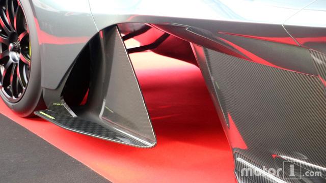 Cận cảnh siêu phẩm triệu đô Aston Martin AM-RB 001 bằng xương, bằng thịt - Ảnh 8.