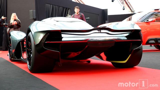 Cận cảnh siêu phẩm triệu đô Aston Martin AM-RB 001 bằng xương, bằng thịt - Ảnh 9.