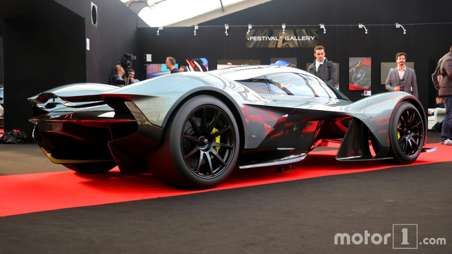 Cận cảnh siêu phẩm triệu đô Aston Martin AM-RB 001 bằng xương, bằng thịt - Ảnh 12.