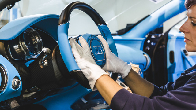 Khám phá nơi những chiếc siêu xe triệu đô Bugatti Chiron ra lò - Ảnh 4.