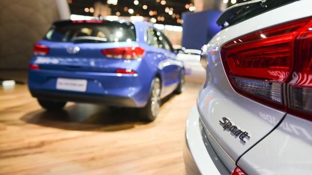 Xe gia đình với cốp siêu rộng Hyundai Elantra GT 2018 được vén màn - Ảnh 11.