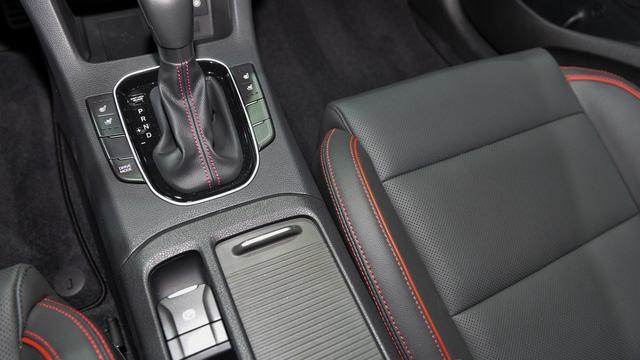 Xe gia đình với cốp siêu rộng Hyundai Elantra GT 2018 được vén màn - Ảnh 14.