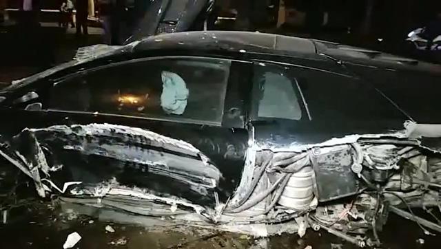 Lại thêm siêu xe Lamborghini Murcielago SV gây tai nạn kinh hoàng - Ảnh 3.
