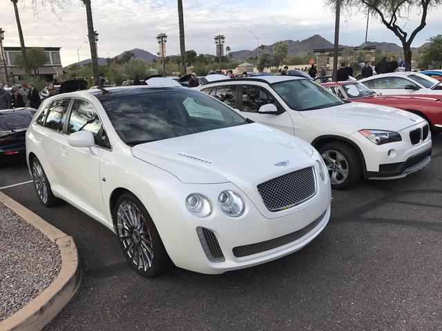 Fan cuồng của Bentley biến Toyota Venza thành Bentayga - Ảnh 2.