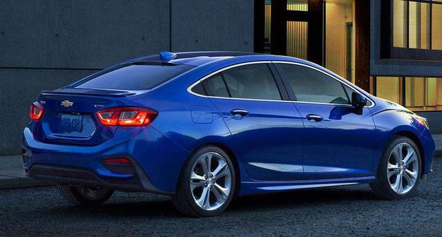 Chevrolet Cruze 2017 máy dầu chỉ tiêu thụ 4,52 lít nhiên liệu cho 100 km - Ảnh 1.
