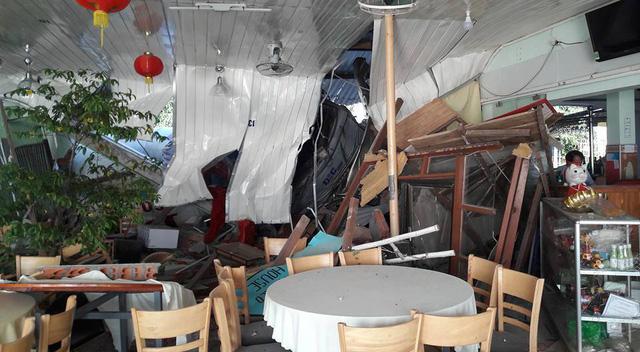 Video khoảnh khắc xe trộn bê tông lao vào quán ăn với tốc độ cao ở Vũng Tàu - Ảnh 4.