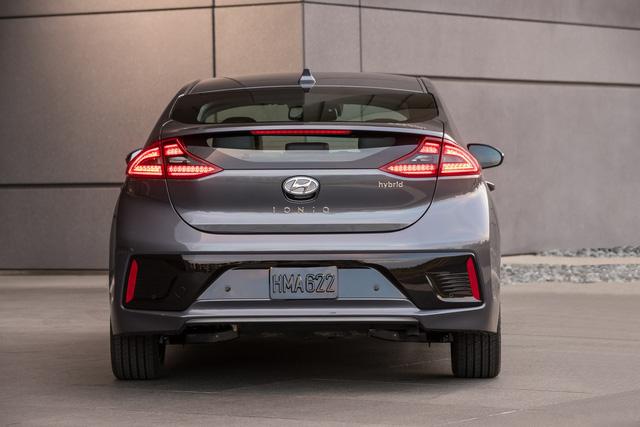 Xe 3 trong 1 Hyundai Ioniq cạnh tranh với Toyota Prius bằng giá 22.200 USD - Ảnh 6.