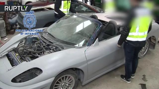 3 người bị bắt giữ vì sản xuất siêu xe Ferrari và Lamborghini nhái để bán - Ảnh 5.