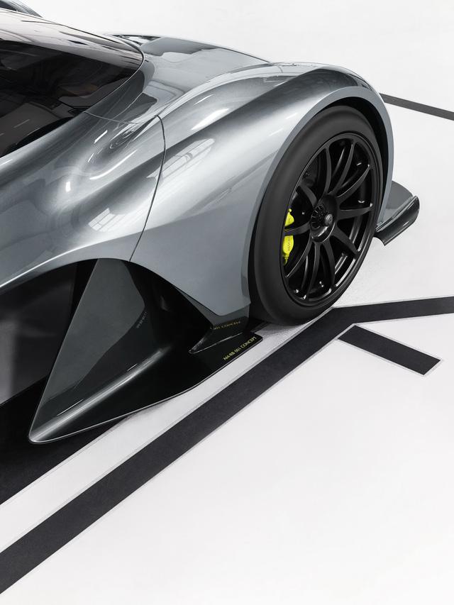 Aston Martin AM-RB 001 là con chung của hàng loạt nhãn hiệu tên tuổi - Ảnh 4.