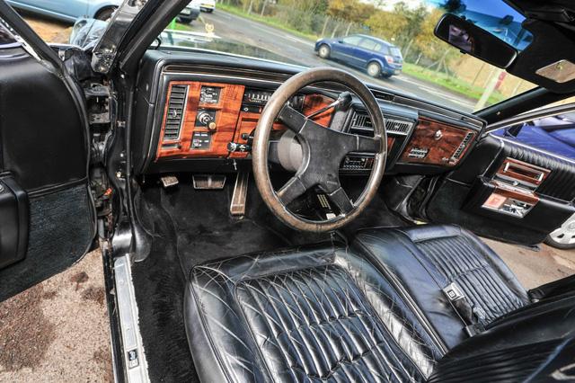 Xe limousine Cadillac cũ của Tổng thống Donald Trump tìm chủ mới - Ảnh 4.