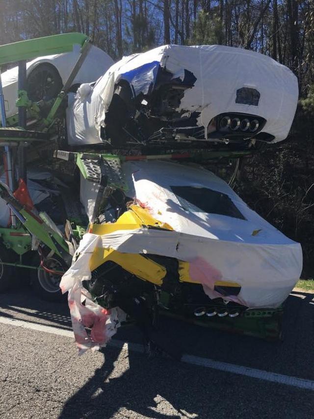 3 chiếc xe thể thao Chevrolet Corvette mới xuất xưởng đã bị hỏng nặng - Ảnh 4.