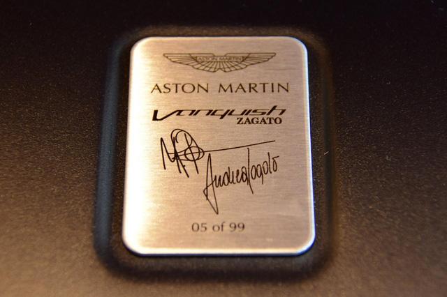 Soi từng chi tiết của siêu phẩm Aston Martin Vanquish Zagato ngoài đời thực - Ảnh 3.