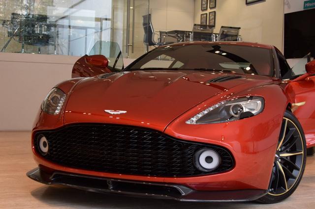 Soi từng chi tiết của siêu phẩm Aston Martin Vanquish Zagato ngoài đời thực - Ảnh 17.