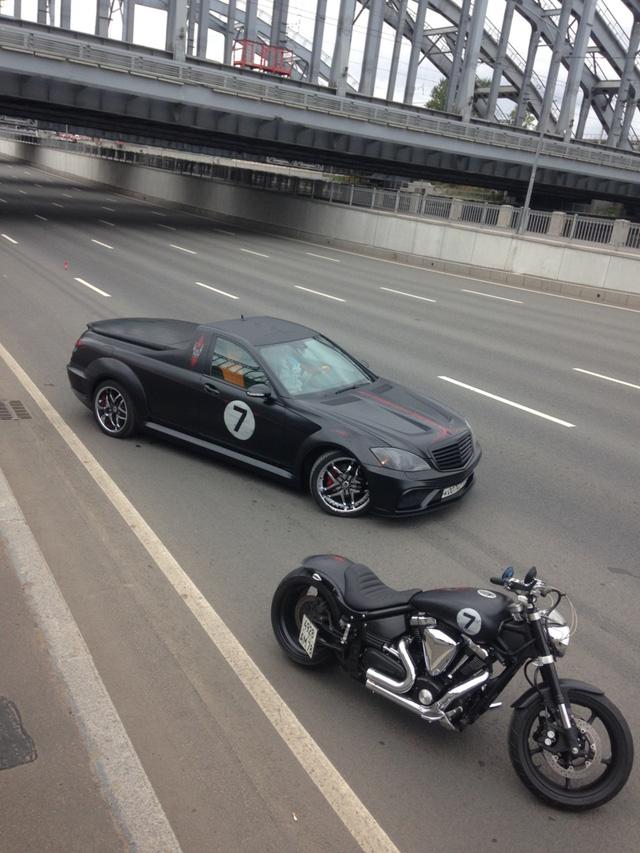 Không thể chờ X-Class ra mắt, biker biến Mercedes-Benz S-Class thành xe bán tải - Ảnh 2.