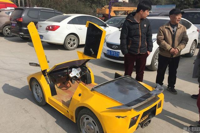 Tự chế dàn xe Lamborghini để đưa cháu đi học cho oách - Ảnh 2.